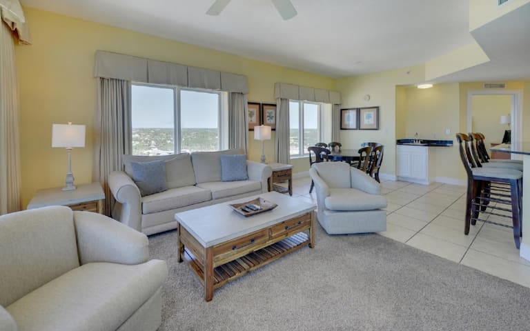 Beachfront Corner Unit, Amazing Views-1509 Calypso - Condo