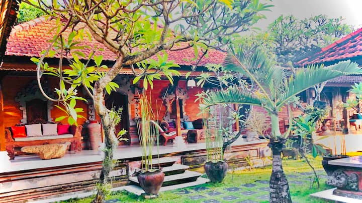 Peace Palace Sanur Bali (Bali House)