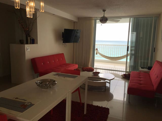 **OCEAN FRONT VIEW ONE BEDROOM APT* - Luquillo - อพาร์ทเมนท์