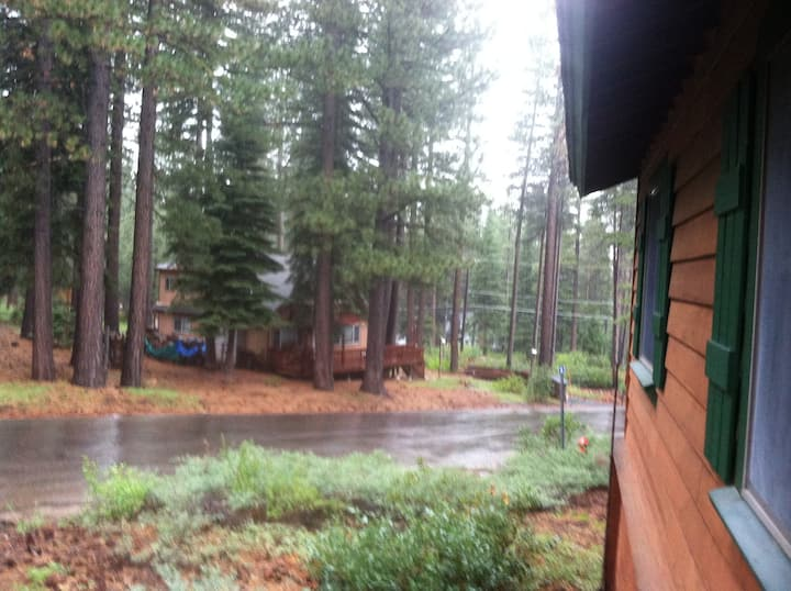 Comfortable and Inviting Cabin waiting for You