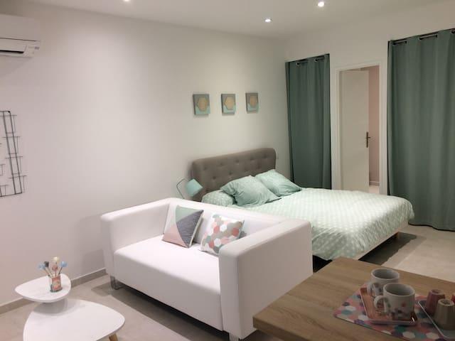 Logement entier Neuf Centre Historique Blanche - Aigues-Mortes - Apartment