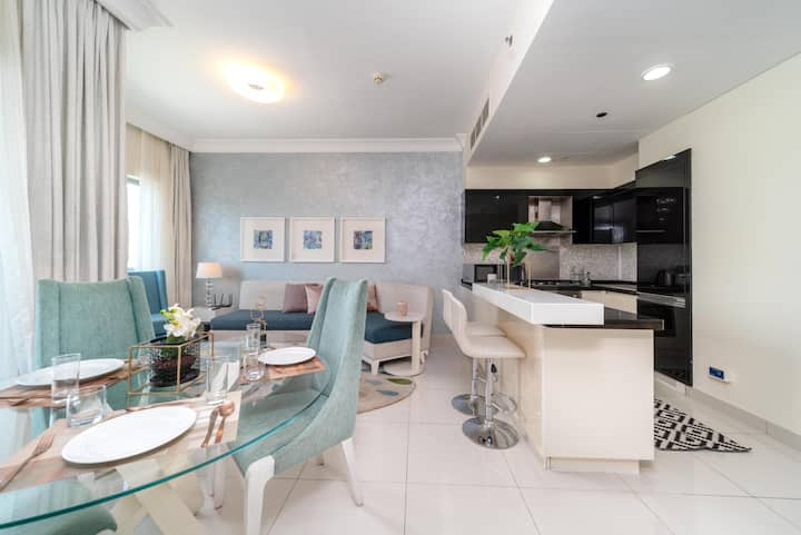 Spacious apartment across Dubai Mall