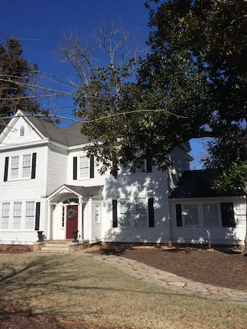 2 Bedroom, 2 Bath Suite-1 Hr. to Augusta National!