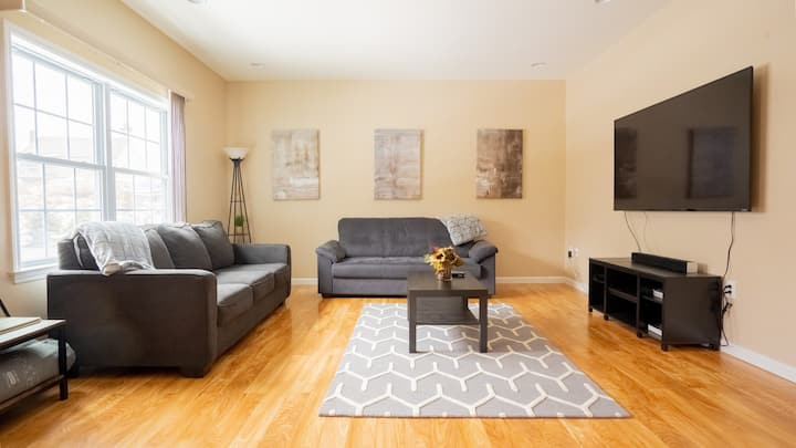 Chic 3BR Lovely House near West Point