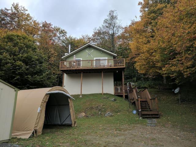 Vermont Getaway!Vast Trail! Minutes to Mount Snow!