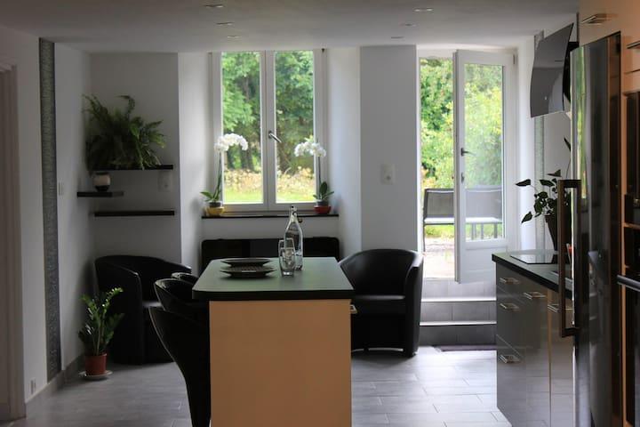 Chambre dans jolie maison proche Arbois/Salins