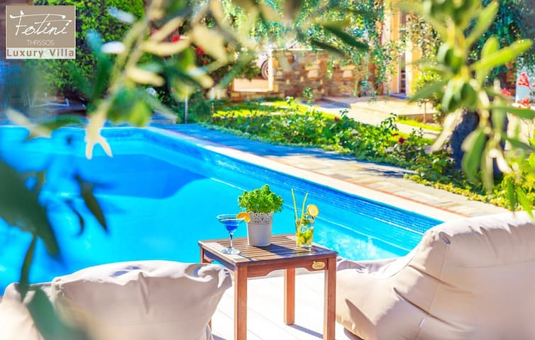 Luxury Family Suite by the Pool Thassos Town
