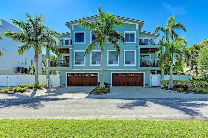 Anna Maria Island Beach Palace-Private Pool-Private Outdoor Kitchen-Free Wi-Fi