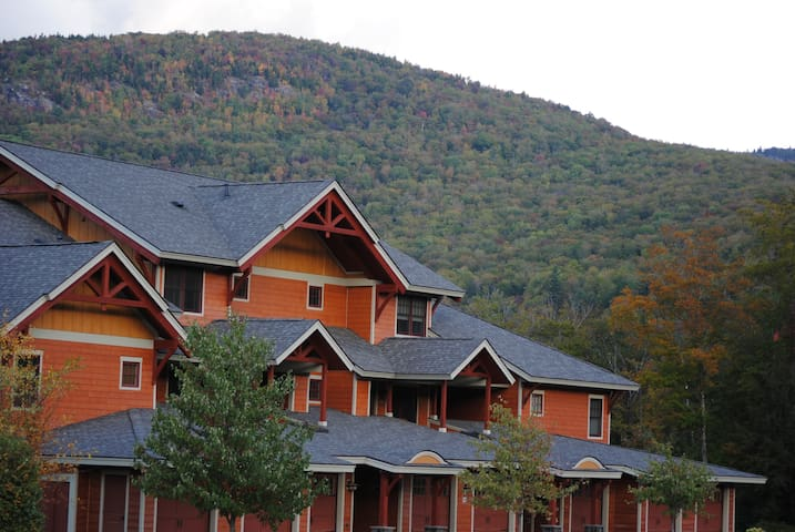 Luxury Loon Mountain South Peak Townhouse