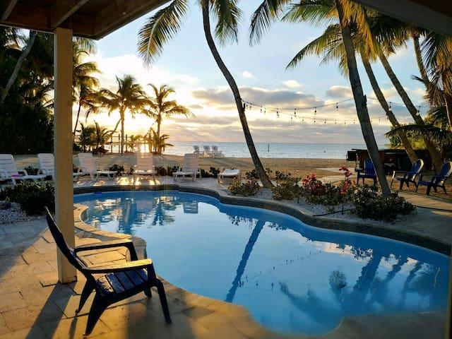 Islamorada Ocean Oasis (IslamoradaBeachHouse.co)