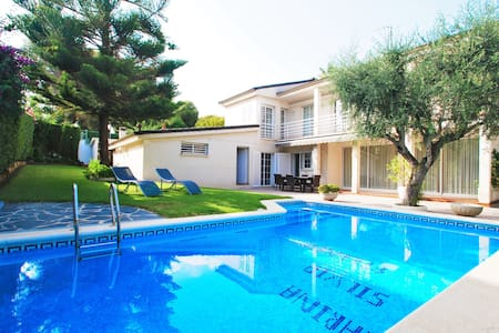 Luxury villa Marina  with private pool for 10 pers - Francàs