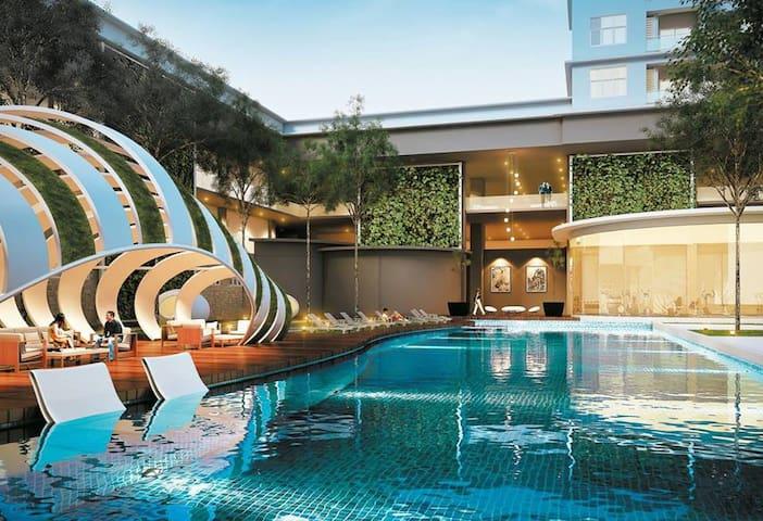 Puchong Jaya Sky.Pod Residence Condominium 6~8 Pax - Puchong - Appartement