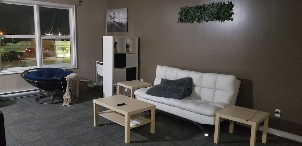 Modern 2 bedroom apartment in Thompson