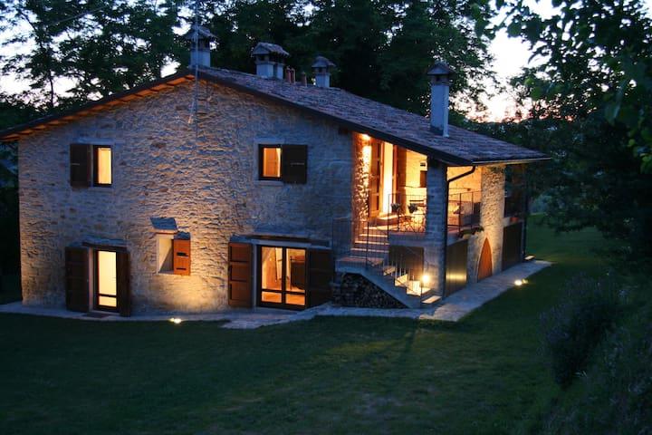 Ferienwohnungin Italien TOSKANA Pool, hund, wifi - Modigliana - Villa