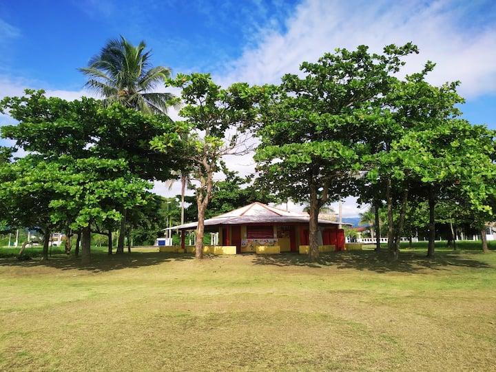 Casa para relaxar, próximo a praia das palmeiras!!