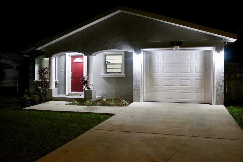 Home By Busch Gardens Tampa Bay Houses For Rent In Tampa