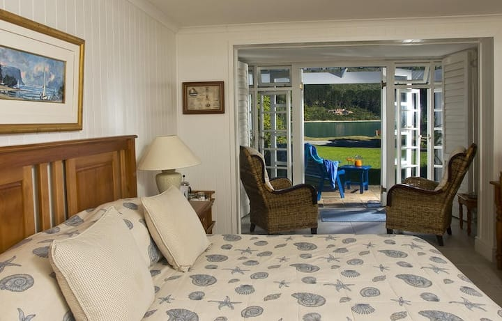 Nautilus Room at the Knysna Belle Guest House