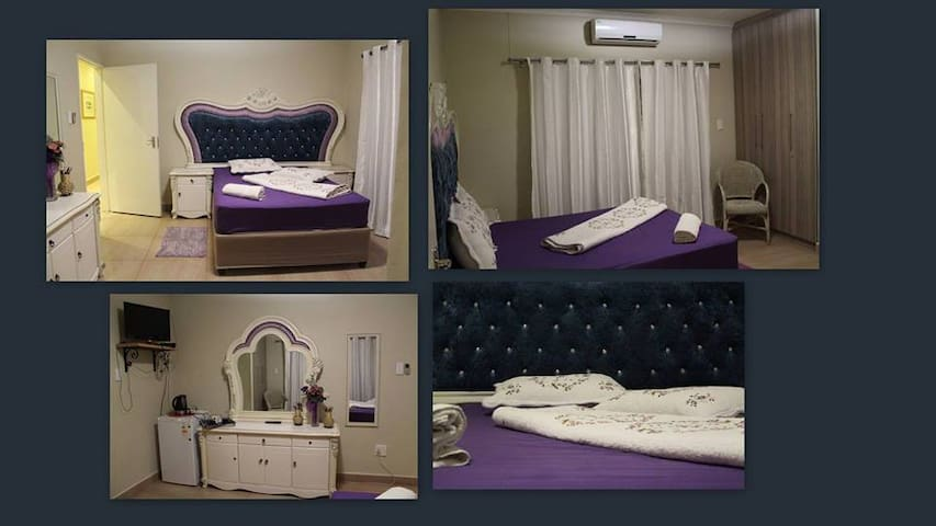 Moclair Bed and Breakfast Luxurious Purple