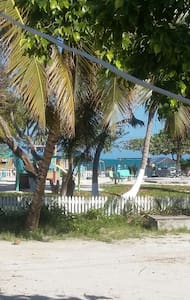 Clashing Winds House - Caye Caulker - Dům
