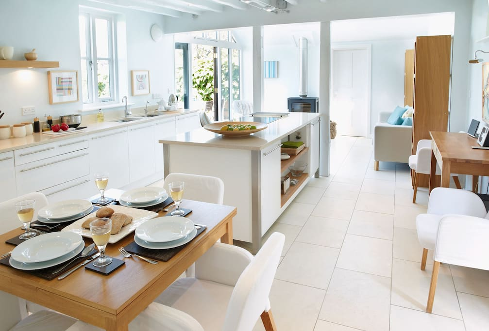 Ground floor: Open plan kitchen with dining area