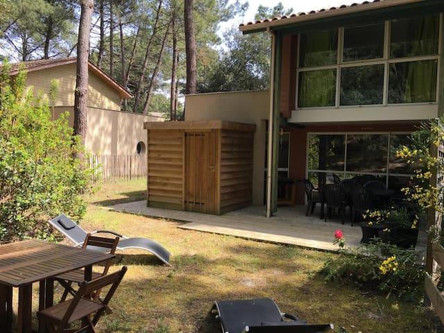 Charmante maison en forêt à Lacanau Océan
