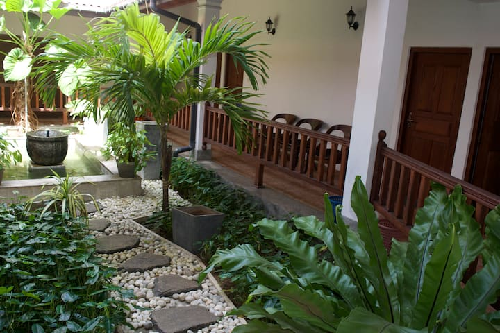 Comfortable room near the beach - Boossa - Bed & Breakfast