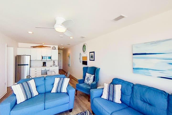 Lovely Gulf front condo w/ beach access, balcony with beach views, & free WiFi!
