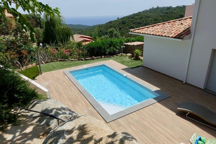 Villa sur les hauts de Solenzara-Vue Mer-Piscine
