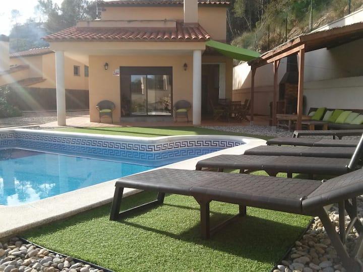 Bonita Villa a 8km. de Sitges