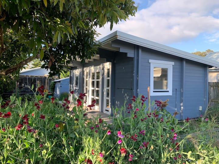 Beach side cabin 'Hotel Jago'