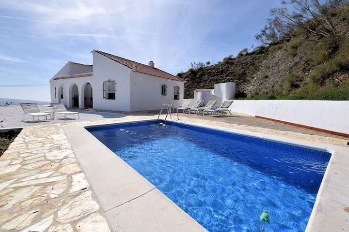 Beautiful Holiday Home in Cútar with Swimming Pool
