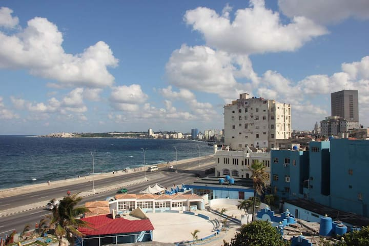 "One bedroom flat with ocean view ""OlaHola"" - La Habana - Apartment"