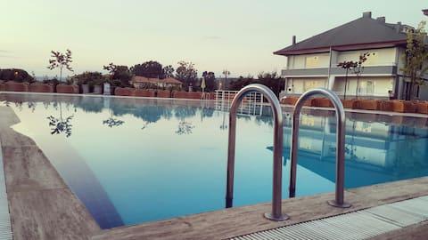 Havuzlu 1+1 yazlık | Summerhouse 1+1 with Pool