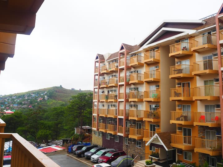 Baguio Transient Home - Condo w/ balcony & parking