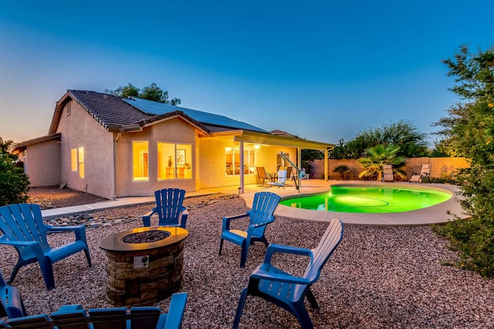 Private Heated Pool and Firepit Surprise Home!