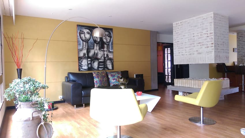 Neat, perfect location, cozy flat - Богота - Дом