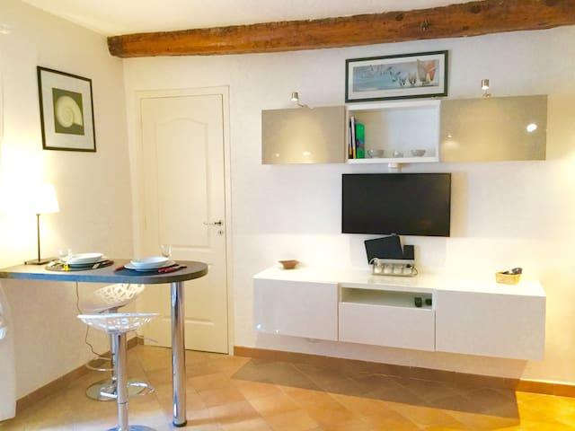 Cannes Centre, Studio de charme Suquet - Cannes - Departamento