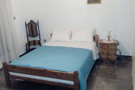 Comfortable house with garden - Mitilini - Huis