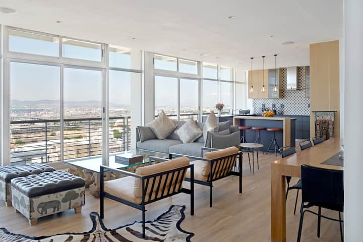 Modern Designer Penthouse with Panoramic views.