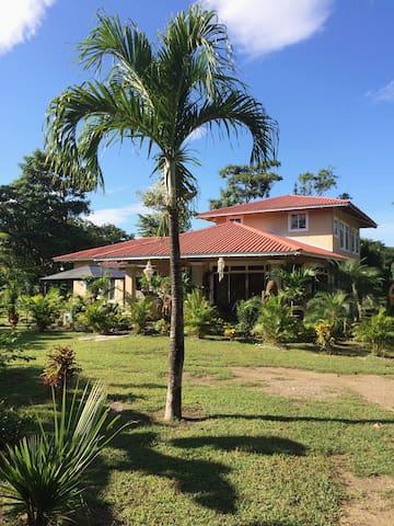 VILLA COSTA RICA PRÈS DE PLAYA NEGRA ET TAMARINDO - Santa Cruz - Dům