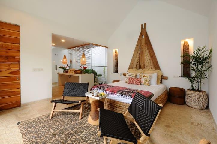 Bungalow3 VillaOceans. Luxury in Canggu, Bali