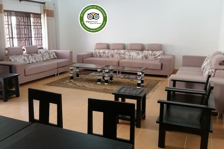 #1 Big apt near by Wattay Airport with rooftop