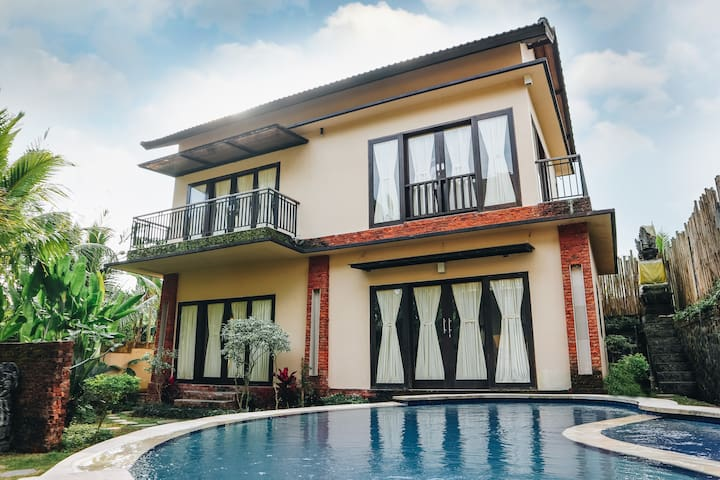 3 Bedroom Pool Villa in the middle of rice fields