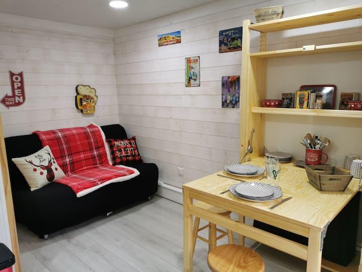Studio cosy et fonctionnel entièrement refait