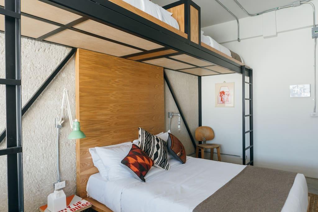 1 Queen Bed + 2 Twin XL Casper Matresses