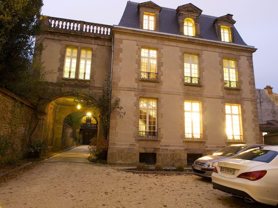 appart 39 hotel de charme centre ville ville in affitto a limoges limosino francia. Black Bedroom Furniture Sets. Home Design Ideas