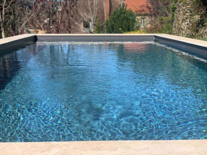 Le studio désinfecté + piscine chauffée + jardin