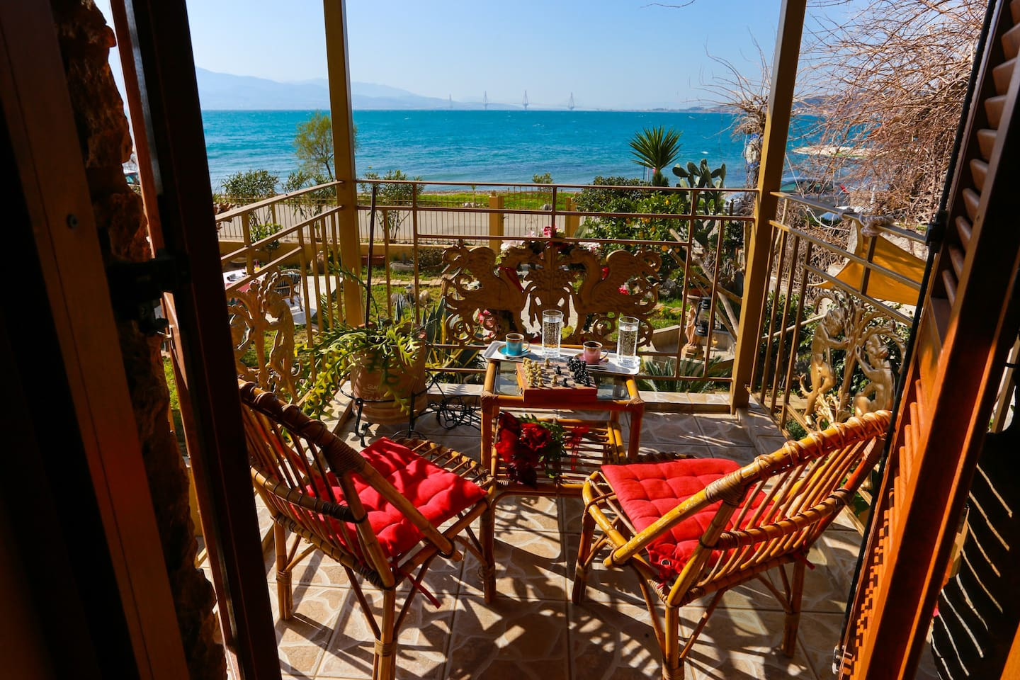 Balcony on the 1st floor with a panoramic view of the Corinthian Gulf and the Rio-Antirrio Bridge