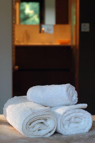 Casa do João dois - Quartos - Negrões - Bed & Breakfast