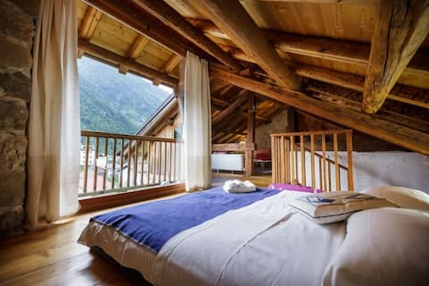 LOFTED SUITE WITH PRIVATE LIVING SPACE